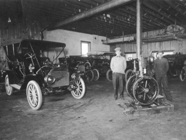 Early automobile shop in Carthage