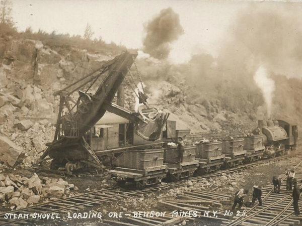 Steam shovel loading ore in Benson Mines