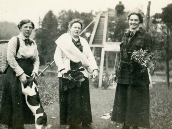 Female hunting trio in Wanakena