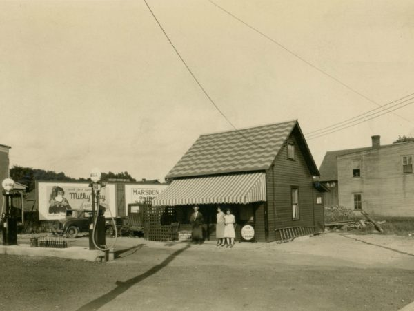 Gas station in the Town of De Kalb
