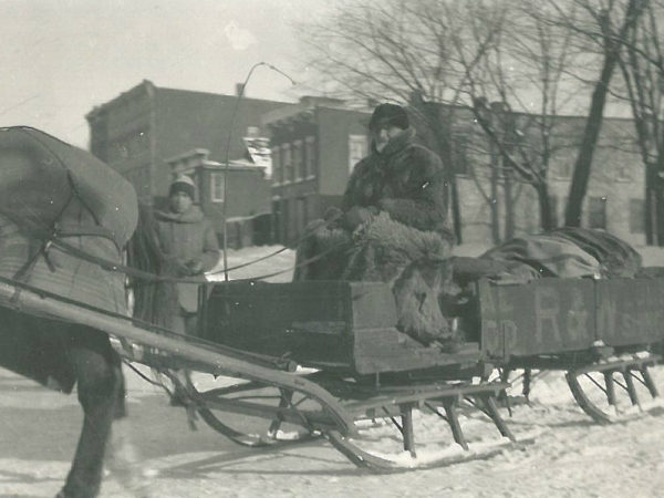 David O'Brien delivering mail by sleigh in Canton