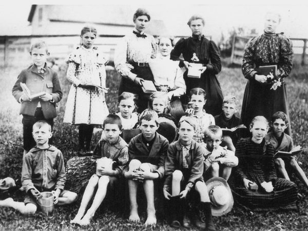 Students and teachers of the Pleasant Valley School in Edwards