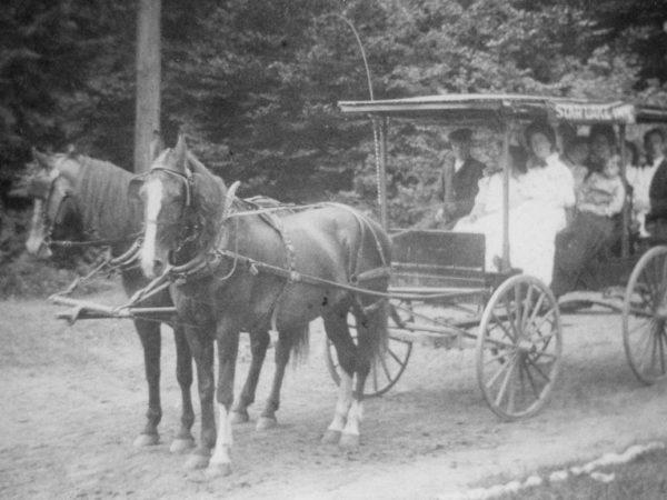 The Star Lake Inn coach service in Star Lake