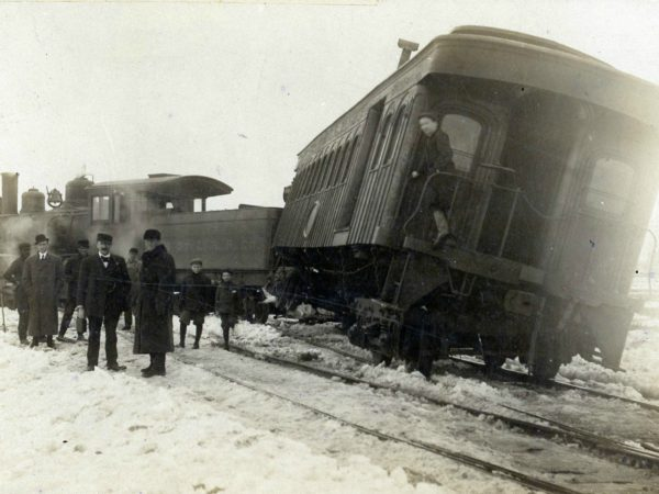 Engine and coach derailment in De Kalb