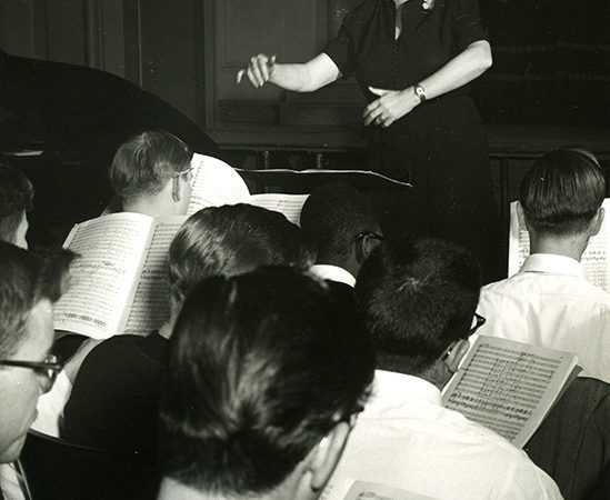 Helen Hosmer conducting SUNY Potsdam's Crane School of Music chorus in Potsdam