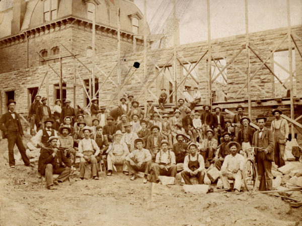 : Construction crew at building site of the Annex of the Potsdam Normal School in Potsdam