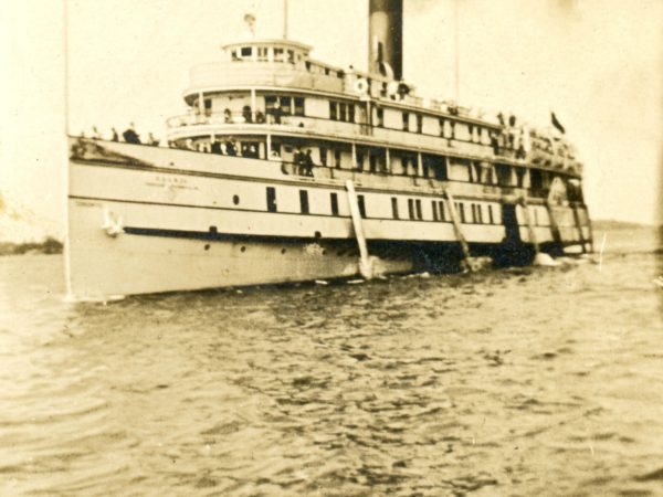 Steamboat on the St. Lawrence River near Hammond
