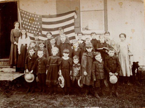 Class Photo at the Buck's Bridge School in Potsdam