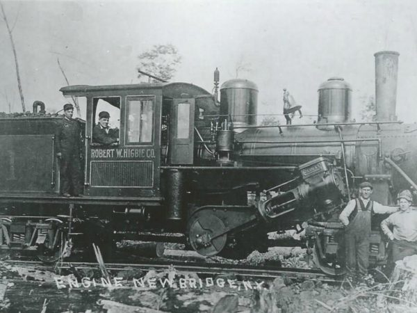 Crew with a Robert W. Higbie Co. engine in Newbridge