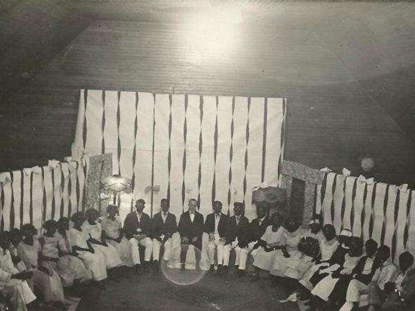 Blackface minstrel show in Newton Falls