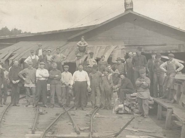 Sawmill workers in Newton Falls