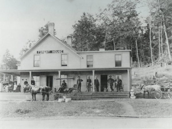 Forest House hotel in Blue Mountain Lake