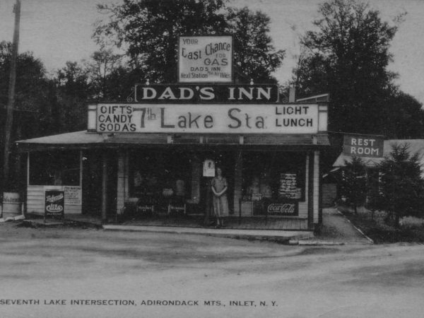 Dad's Inn in Inlet