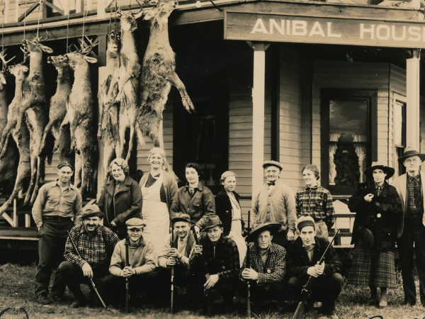 Hunters at the Anibal House in Piseco