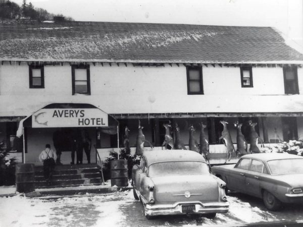 Avery's Hotel and Restaurant in Piseco