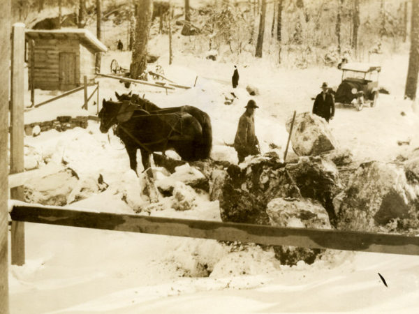 Moving stone with a team of horses in the Town of Webb