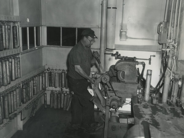 Sharpening drill bits for a mine in Essex County