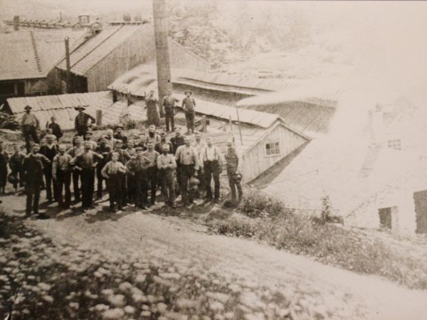 Workers at the Oregon Tannery in Johnsburg
