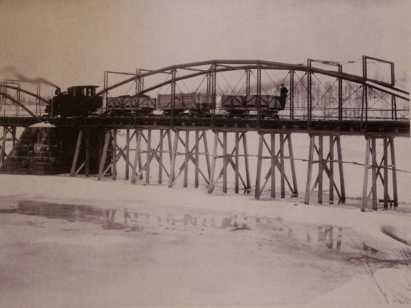 Train delivering iron ore to North Creek