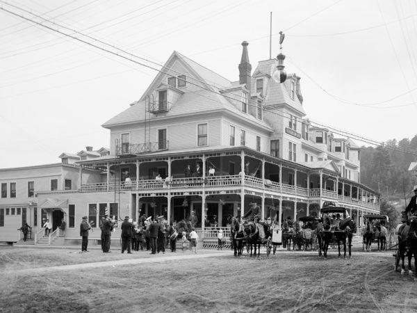 Exterior of Riverside Inn in Saranac Lake
