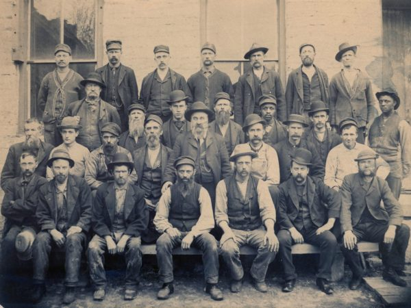 Employees of the Taggert Mill in Felts Millls