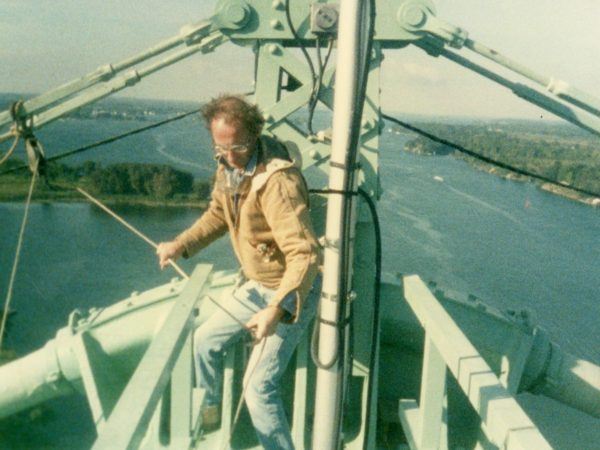 Changing the lights on the Thousand Islands Bridge