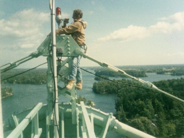Robert Service doing maintenance on the Thousand Islands Bridge