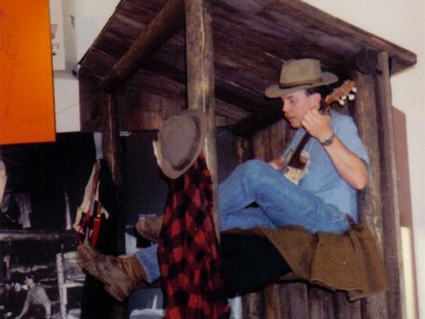 Dan Berggren performing in the Adirondack Museum