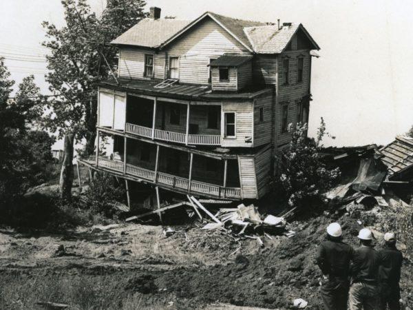 Demolition of multi-story building in Glens Falls